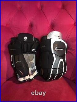 Nike Quest 2 Ice Hockey Gloves Black And White Senior Size XL 14.5